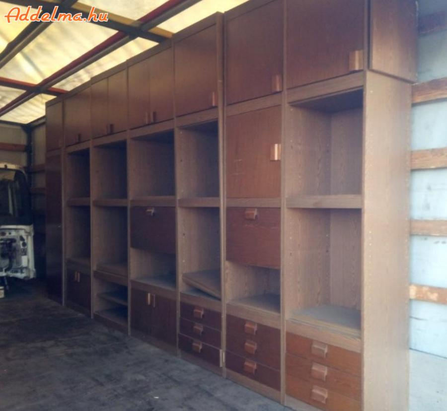 Eladó szekrénysor (500cm x 45cm x 260cm)