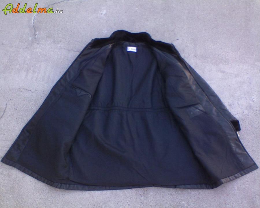 DELMOND Fekete puha bőrimitátor kabát 44-es