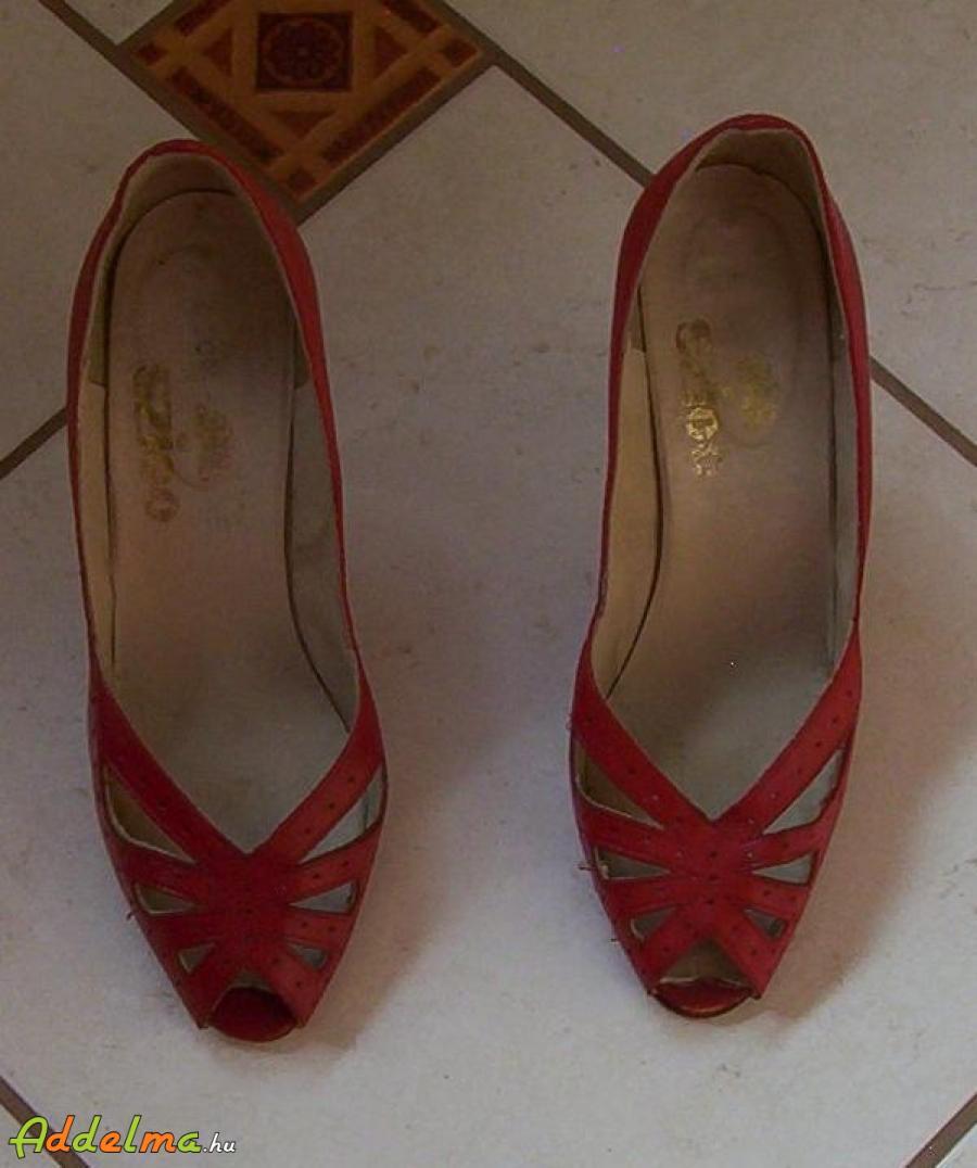 cae84a15febb Piros magassarkú cipő eladó, Budapest, XIX. kerület, Magyarország ...