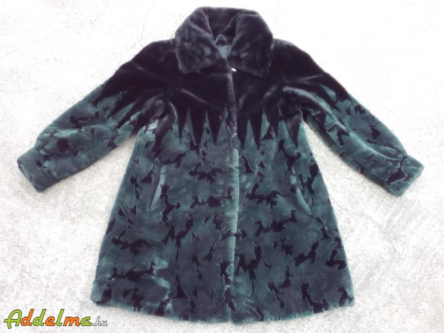 Zöld fekete pihe puha csinos bundakabát 40 es Óbarok