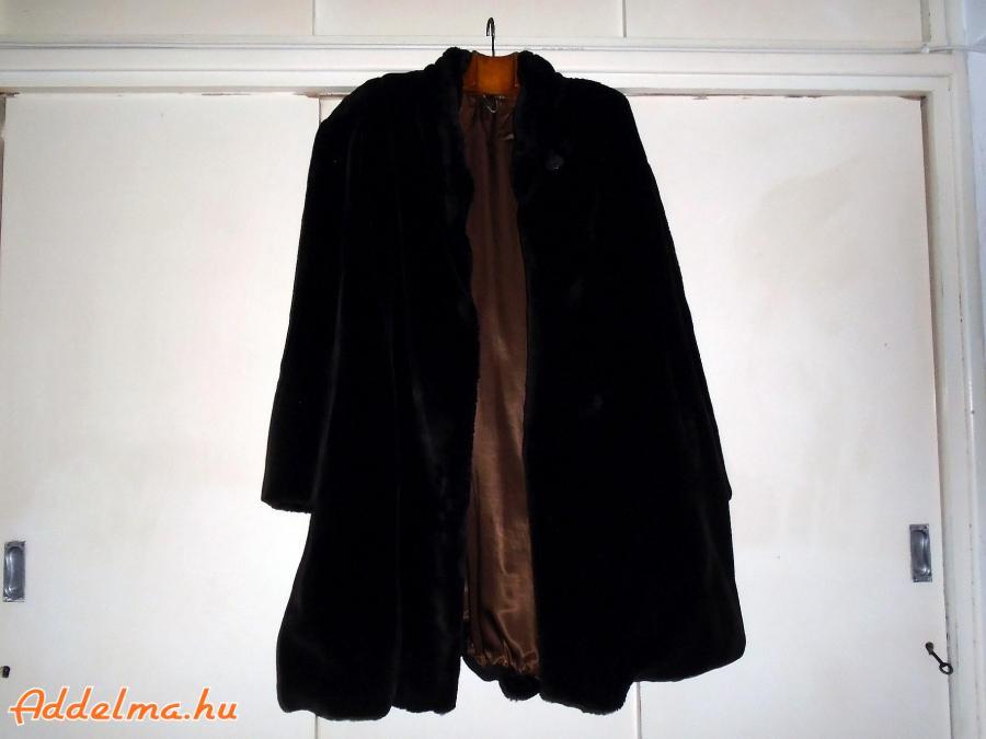Sötétbarna női műszőrme bunda