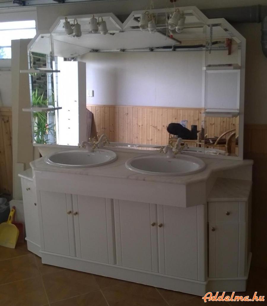 Fürdőszoba bútor (márványlappal, Roca mosdókkal és csapokkal)