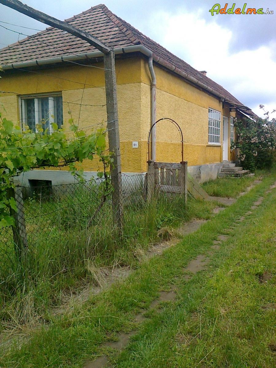 Kertes családi ház Mátraballa