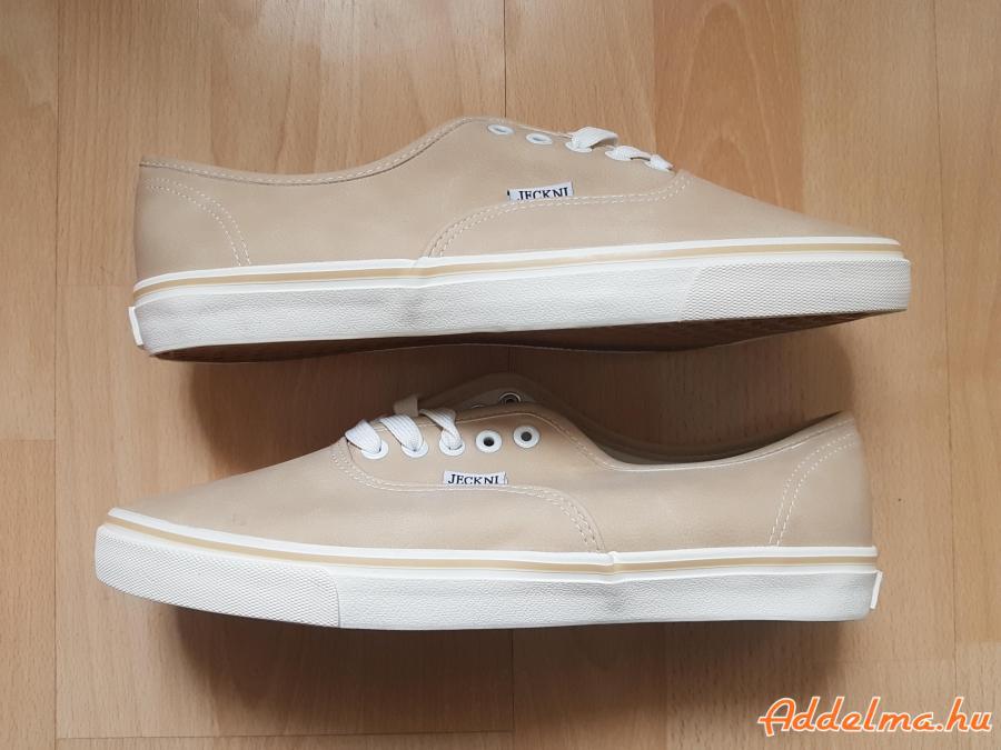 Férfi cipő 44-es