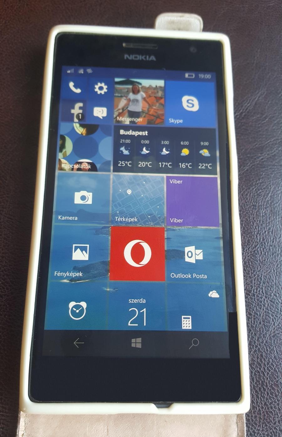 Nokia 735 - Win10 -es hibatlan allapotban + Doboz + Töltö + Flip tok
