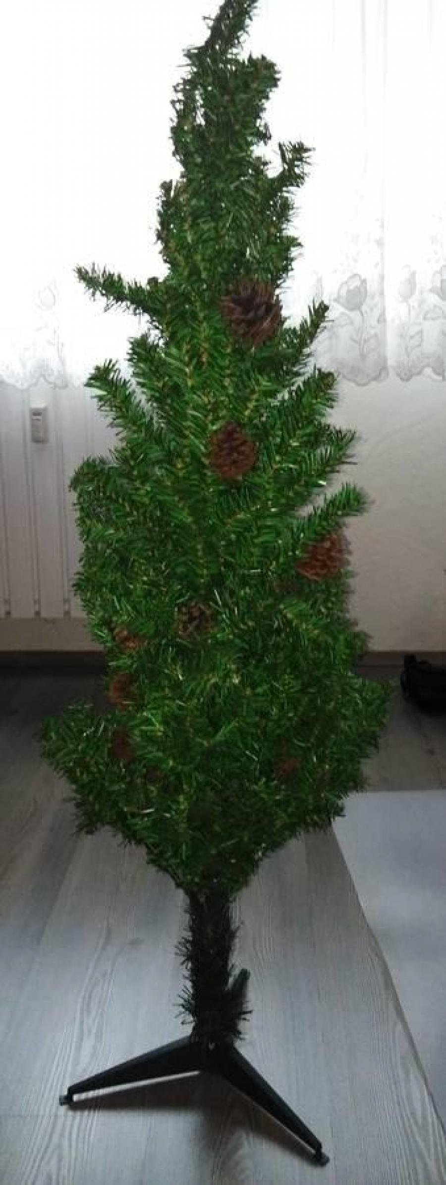 Műfenyő tobozokkal eladó 150 cm