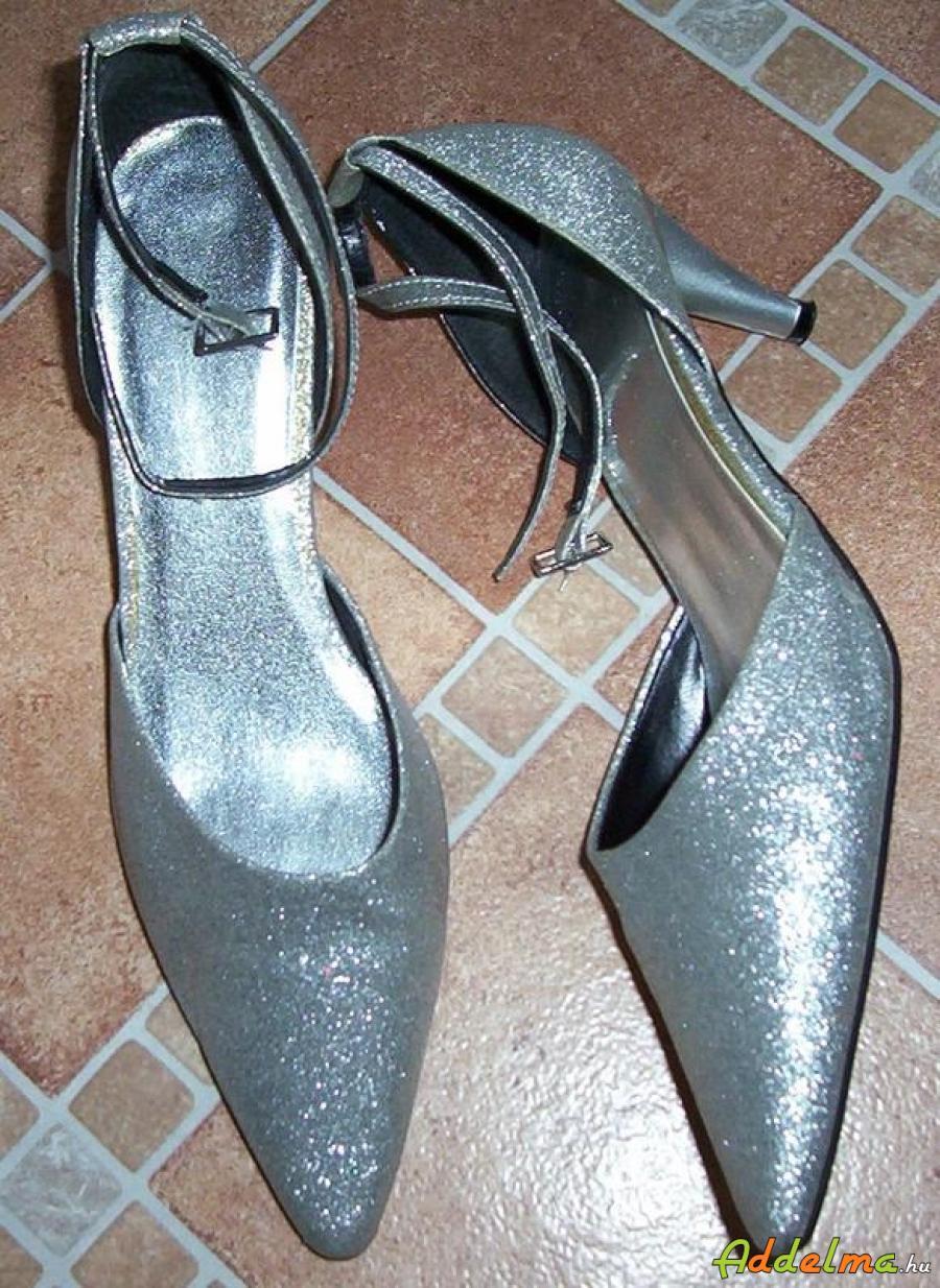 Ezüst cipő eladó