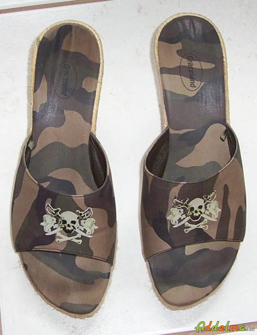 Military női papucs eladó 39