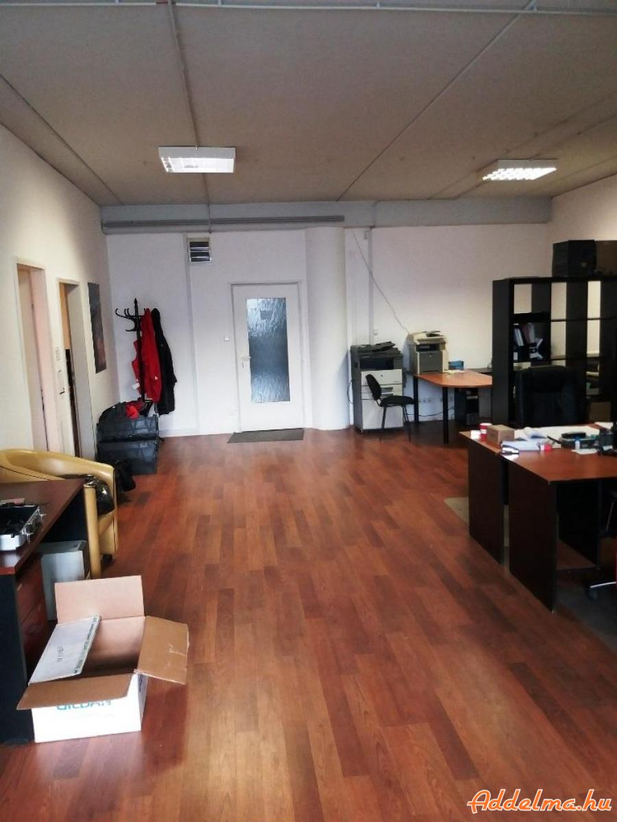 III. kiadó  I.e 100 m2 -es 4 helységből álló iroda!