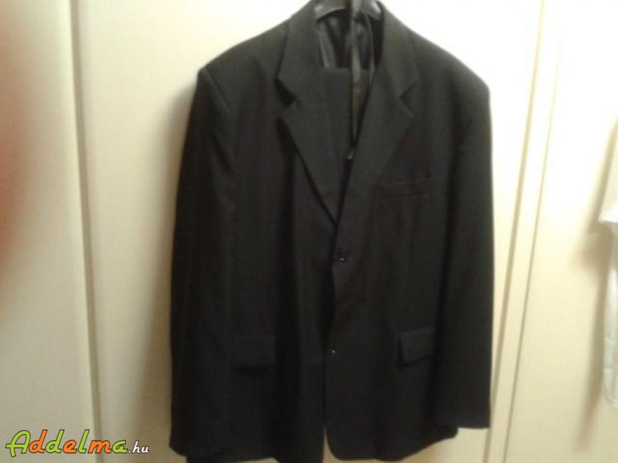Fekete színű férfi öltöny eladó
