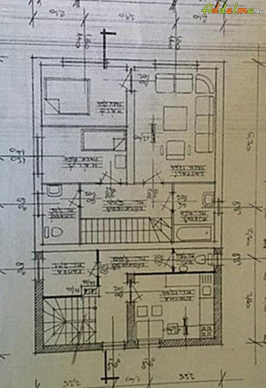 Szigethalmon ház + üzlet összesen 260 nm, eladó vagy cserélhető
