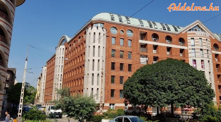 8.kerületben 40 négyzetméteres garzon lakás kiadó!