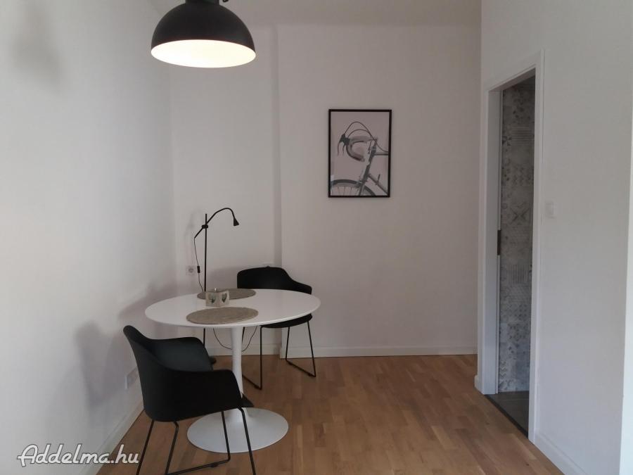 A Kiscelli úton felújított lakás kiadó