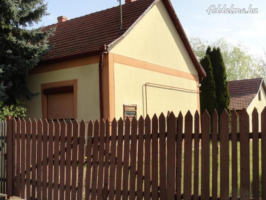 Csongrád-Csanád megye. Családi ház, Ruzsa belterületén eladó.