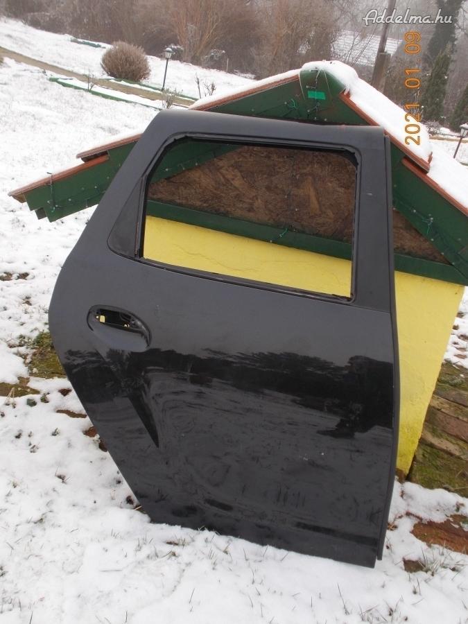 Dacia Duster jobb hátsó ajtó eladó