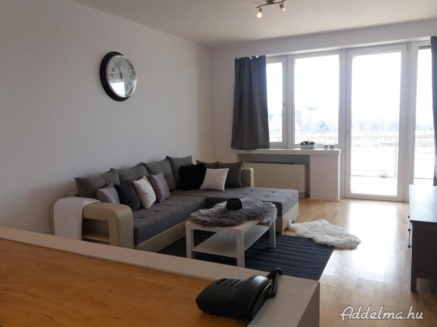 Dunai panorámás elegáns lakás hosszú távra kiadó