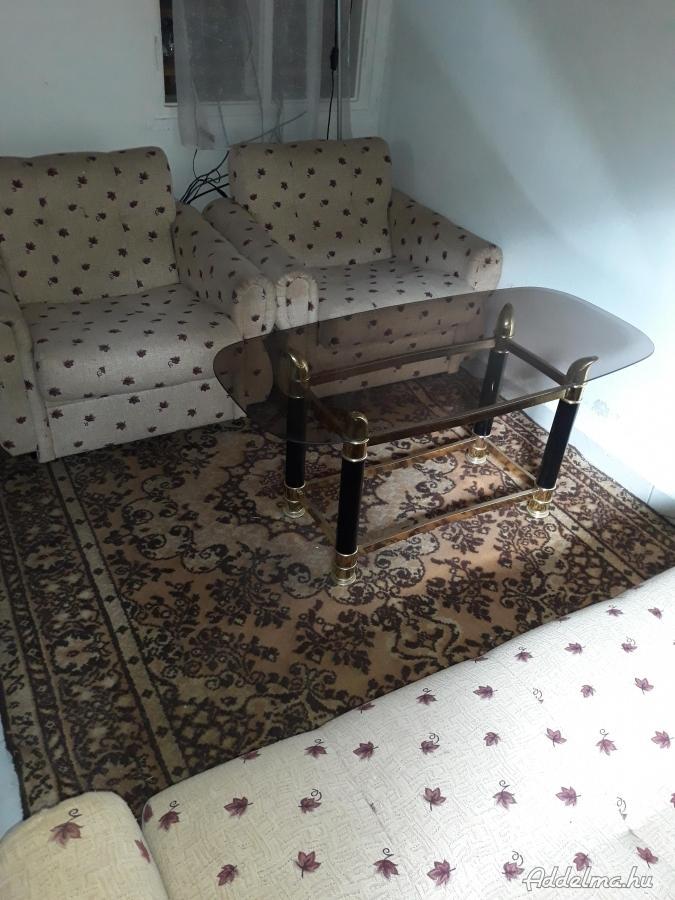 Eladó bútorok