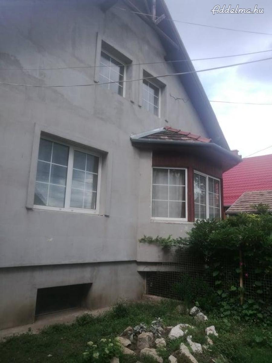 Eldó családi ház