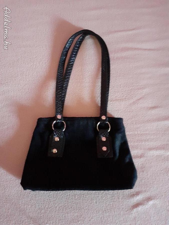 Fekete bársony táska