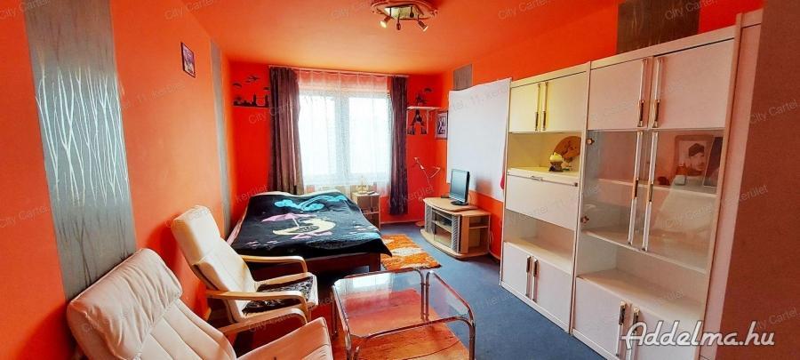 Kényelmes lakás csendes környezetben eladó Dunaföldváron!