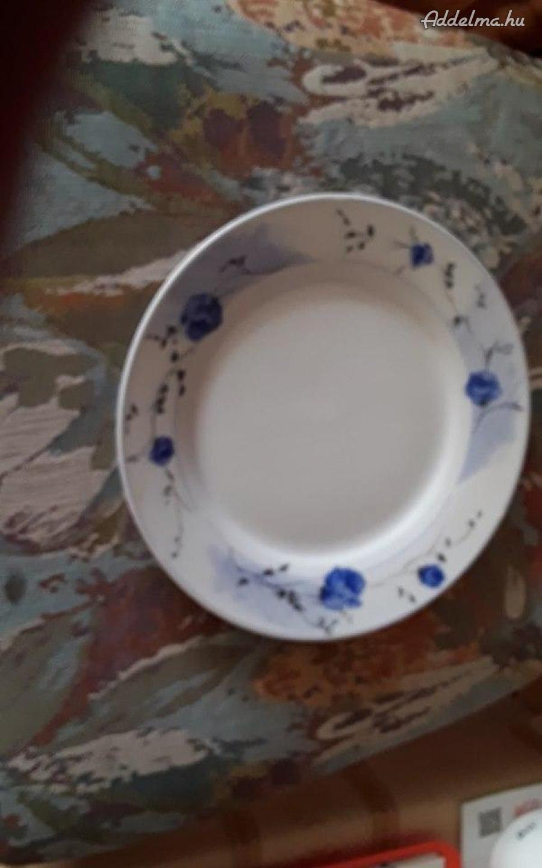 Lapos tányérok porcelán