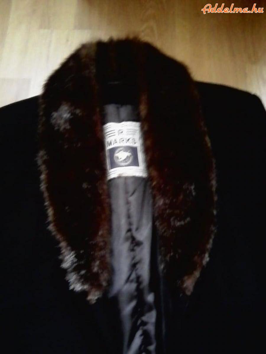Jászberényben eladó: Új fekete hosszú kabát AKCIÓS ÁRA:5000FT
