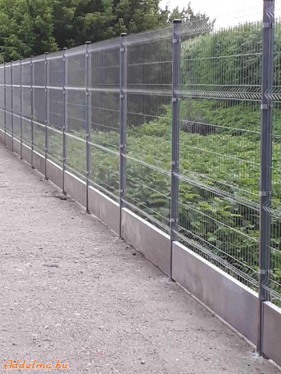 Vadháló, kerítéspanel, kerítéselem, oszlop, kerítésdrót
